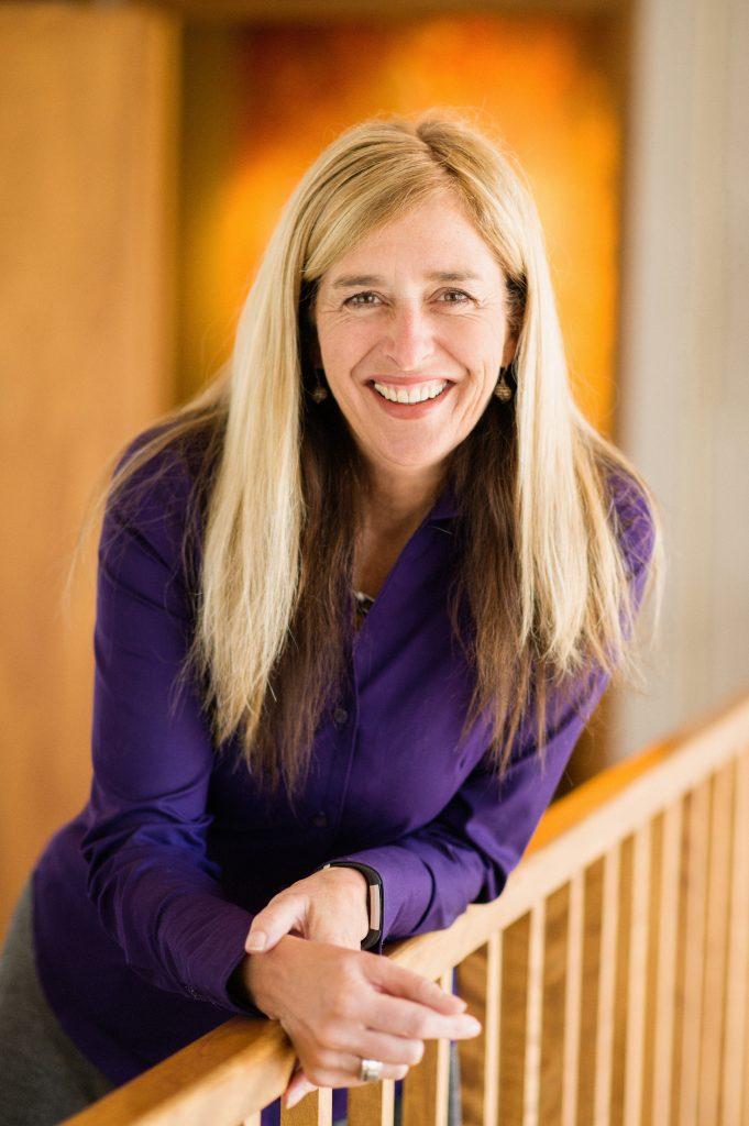 Dr. Jackie Lichter headshot